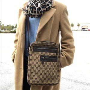Authentic vtg Gucci Crossbody bag